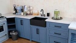 1/6 мини-модель куклы полный кухонный набор для дома (включая Черную Столешницу, черный кран и Белую Раковину)