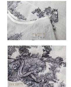 Image 3 - New Ivchun haute couture  gown lion animal embroidery nets yarn silk lining skirts