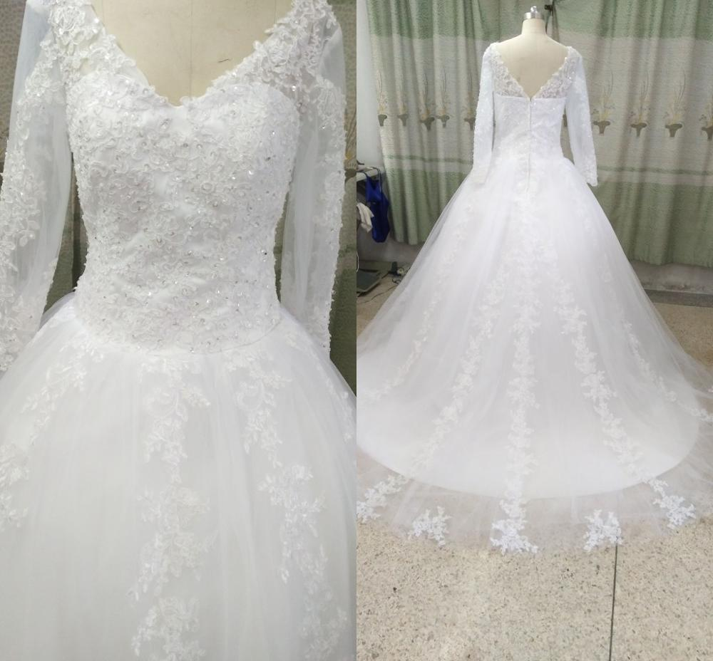 2019 Real Photo Ball Gown Lace Appliques Beaded Wedding Dresses V Neckline Princess Puffy Long Sleeve Modest Bride Gowns On Sale