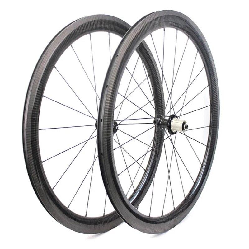 Une paire de roues de vélo de route en carbone 50mm roues de vélo de route belle surface brillante 3k 23mm largeur usine OEM