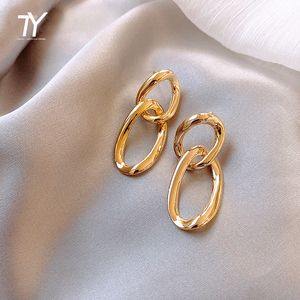 2020 new exaggerated retro metal chain Drop earrings South Korean female jewelry European and American Simple ladies Earrings