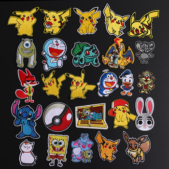 1Pcs Pikachu Pokemon Mostro Ferro su Toppe E Stemmi Gioco Della Serie di Film Cosplay Costume Ricamato Il Ferro Toppe E Stemmi per Abbigliamento Decorazione