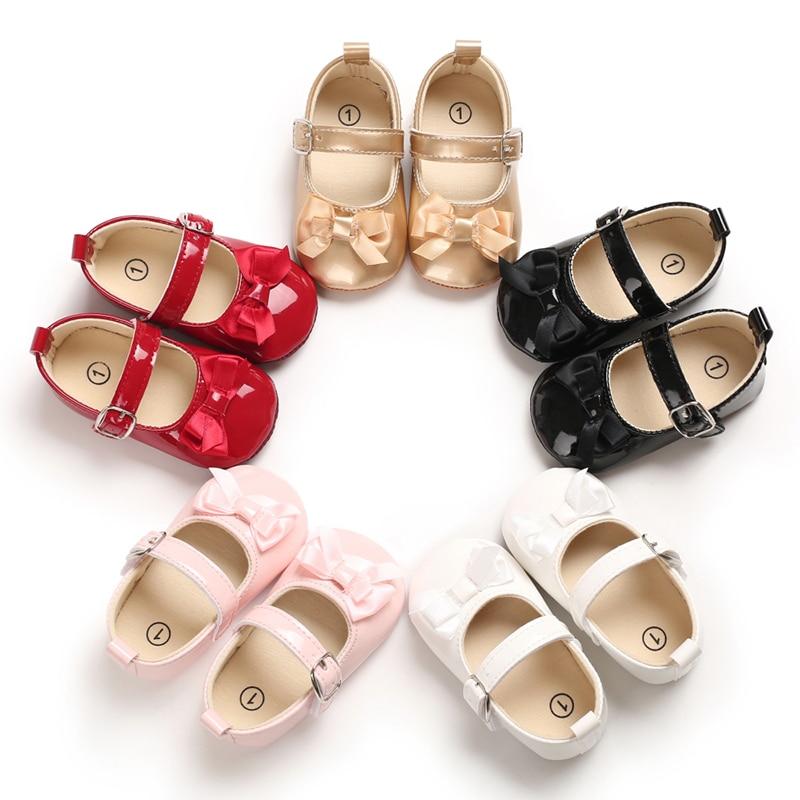 Zapatillas de cuna para bebés, zapatos para primeros pasos, mocasines para recién nacido, de piel sintética