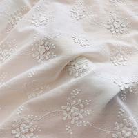 Tela de algodón bordada con flores 3D para vestido, ropa, Material de cortina artesanal, 130cm de ancho, 0,5 metros/lote, color blanco, X133