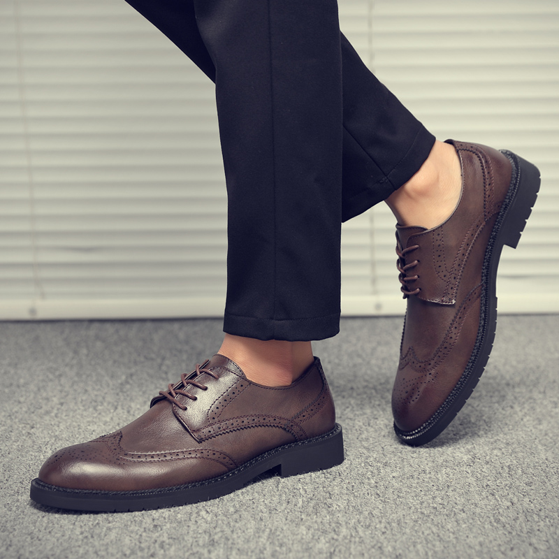 Men Dress Shoes 2019 Autumn Brogue Style Paty Leather Wedding Shoes Men Flats Leather Oxfords Formal Shoes