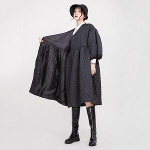Image 5 - [EAM] V Collarสีดำผ้าฝ้าย เบาะโคมไฟแขนหลวมFitผู้หญิงParkasแฟชั่นฤดูใบไม้ผลิใหม่ฤดูใบไม้ร่วง2020 1D700