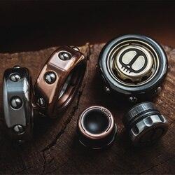 Neue Produkte 2099 Serie Dämon Sohn von Ringe Spinner Hand Spinner Zwischen Ihre Figur Spirale Spielzeug