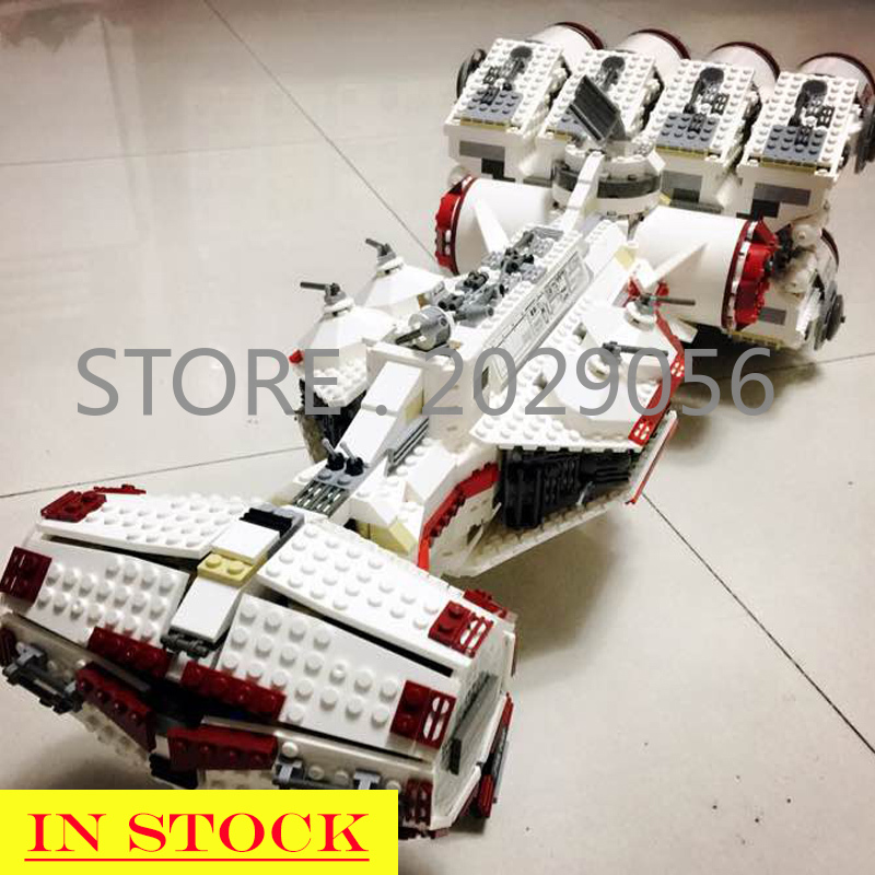In Stock <font><b>05046</b></font> The Tantive IV Rebel Blockade Runner 1748pcs Star Movie Wars Model Building Blocks Compatible with 10019 Toys image