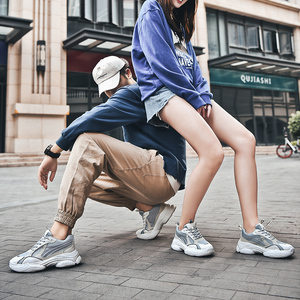 Image 3 - 2020 رائجة البيع حذاء كاجوال نساء موضة أحذية رياضية الذكور تنفس الرياضة أحذية النساء الربيع الرجال شبكة أحذية Zapatos De Mujer