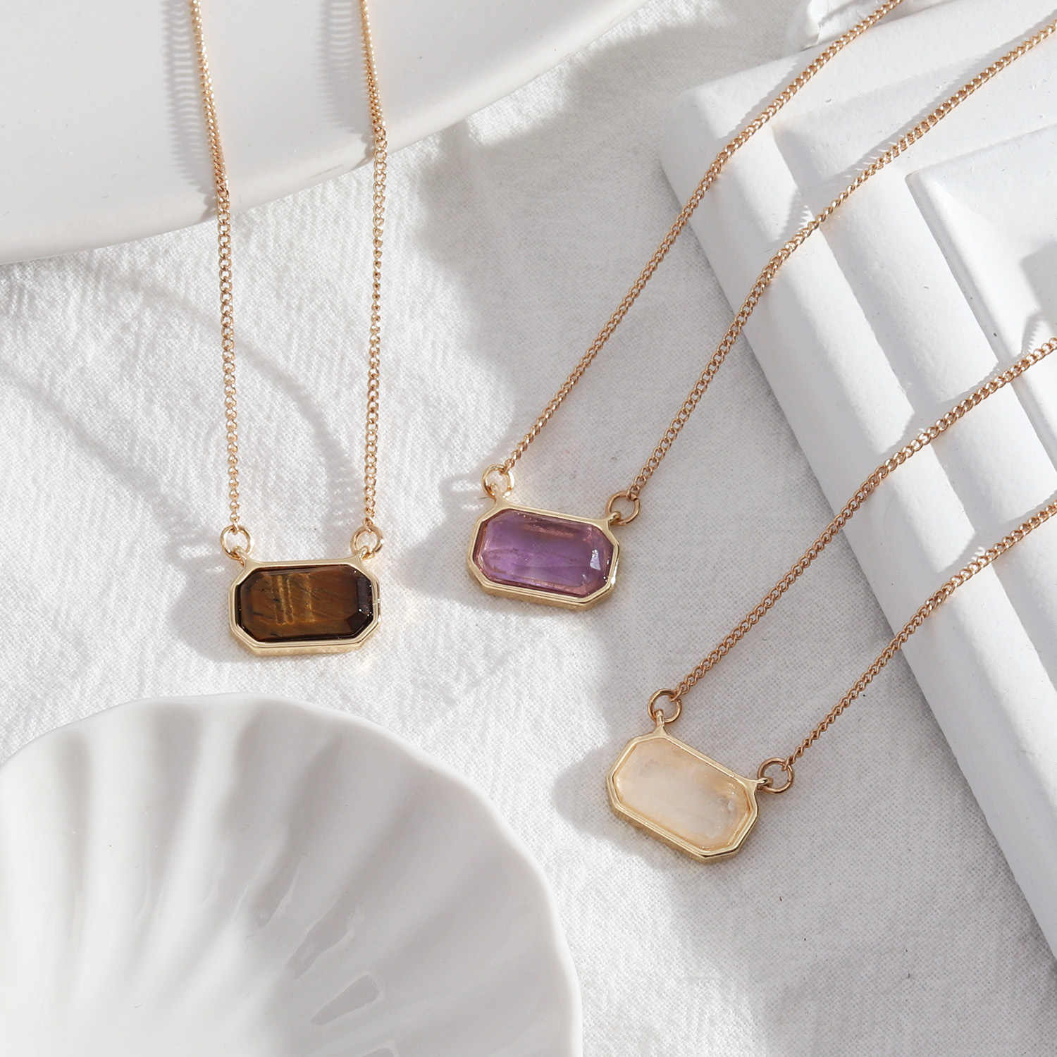 Hexagonal Oval Lucite Stone Pendant  Necklace And Earring Set