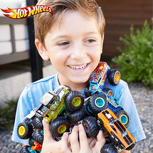 Image 2 - 1:64 الأصلي الساخن عجلات عجلات عملاقة مجنون الهمجية الوحش طراز سيارة من المعدن لعبة Hotwheels كبير القدم سيارة الأطفال هدية عيد ميلاد