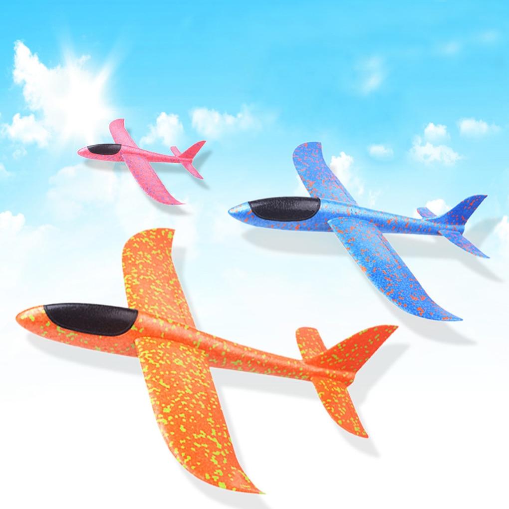 Couleur aléatoire enfants main jeter volant cascadeur mousse avion jouet envol modèle d'avion enfants cadeau résistant à la chute jouet