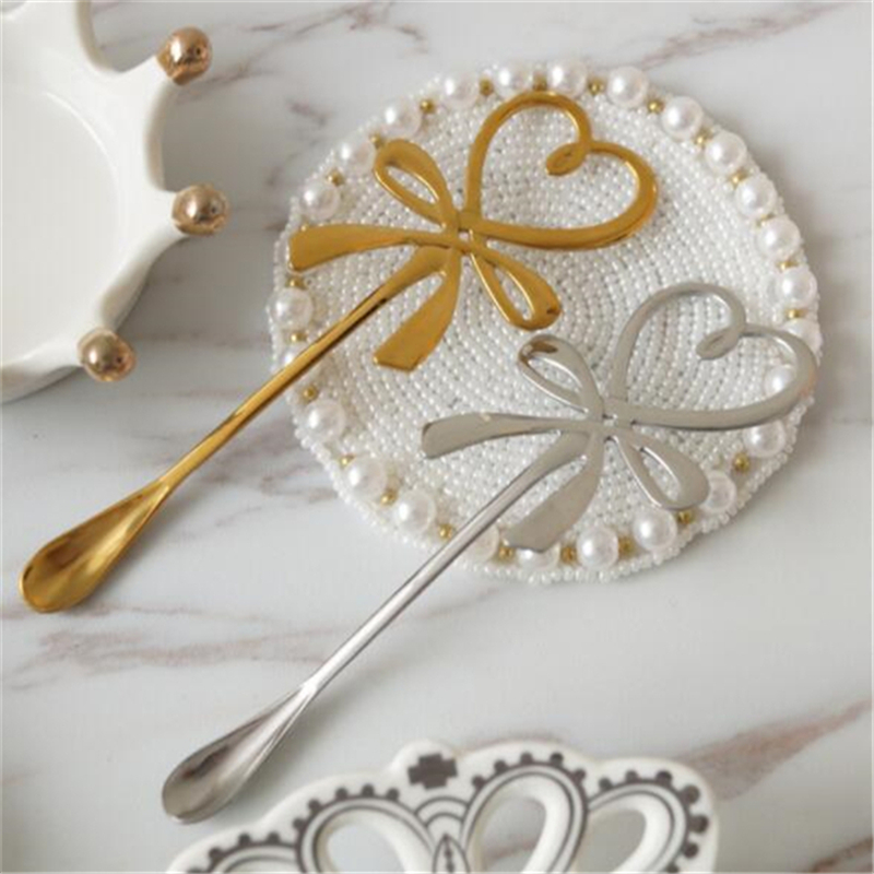 2019 Creative Bow Knot Heart Shaped Mini Coffee Spoon Tea Dessert Spoon Hanging Spoon Glod Silver Spoon Stainless Steel Flatware