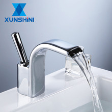 XUNSHINI Luxury Basin Faucet Hot and Cold Chrome Brass Single Handle Basin Mixer Tap Deck Mounted Bathroom Faucets Sink Faucet