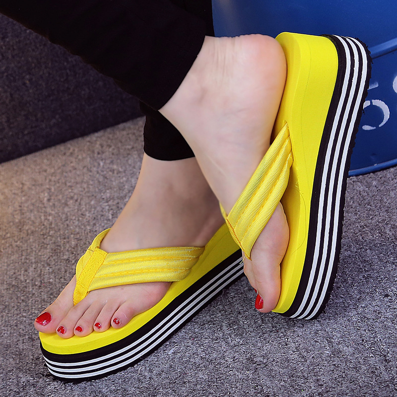 2018 New Summer Women Flip Flops Fashion Slope And Thick Sand Beach Slippers Candy Color Wedges Platform Outdoor Slippers