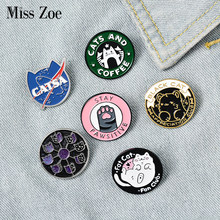 Katten Club Emaille Pin Kat Planeet Maan Cafe Poot Badge Custom Kitten Broches Revers Pin Jeans Overhemd Zak Leuke Dier sieraden Gift(China)