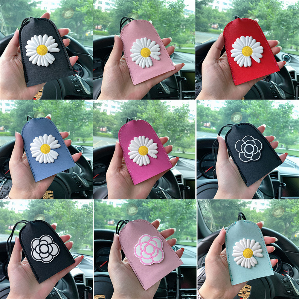 1pc New Cartoon Daisy Flowers Pull Type Key Bag PU Leather Key Wallets Car Key Holder Case Leather Keychain Pouch without Button