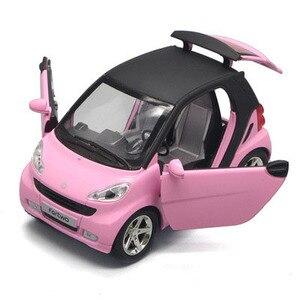 Image 5 - 1:32 escala inteligente bonito diecast modelo de carro brinquedo com puxar para trás função música luz opable portas para crianças como presente frete grátis