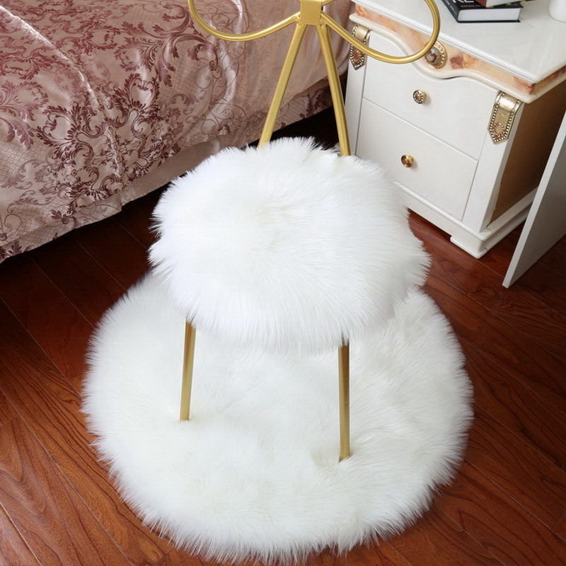 Soft Artificial Sheepskin Rug Chair Cover Bedroom Mat Artificial Wool Warm Hairy Carpet Seat Textil Fur Area Rugs 30*30CM
