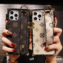 Marca de luxo quadrado flor couro caso do telefone para o iphone 12 mini 11 pro max x xr xs7 8 6s mais moda suporte de pulso volta capa