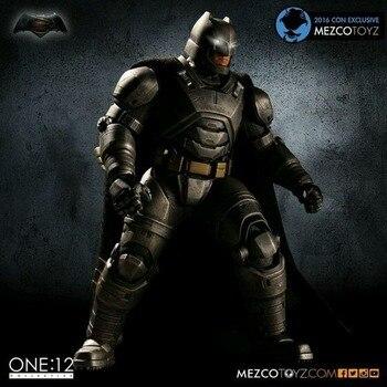 MEZCO TOYZ Batman v Superman Batman con armadura 12 PVC colectivo figura juguete de modelos coleccionables con luz LED