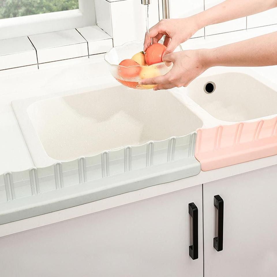 Sink Water Splash Guard Bathroom Splashproof Baffle Board for Kitchen