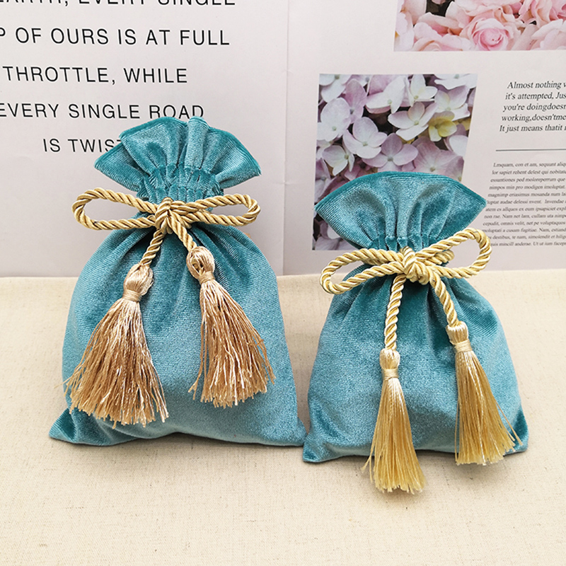 13x18cm Lake Blue Velvet Bags With Tassel 1pcs Purple Red Gold Jewelry Packing Bags Wedding Candy Gift Bags Pouches Dark Green