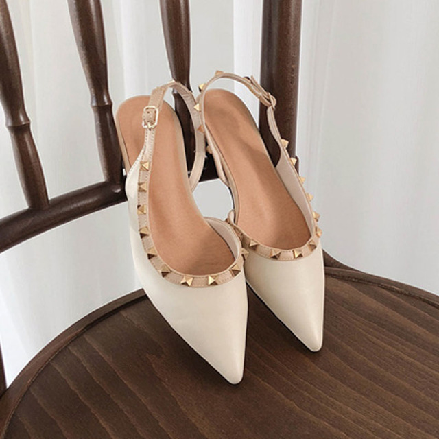 Summer 2019 new casual shoes rivet pointed flat soles women's single shoes sandals