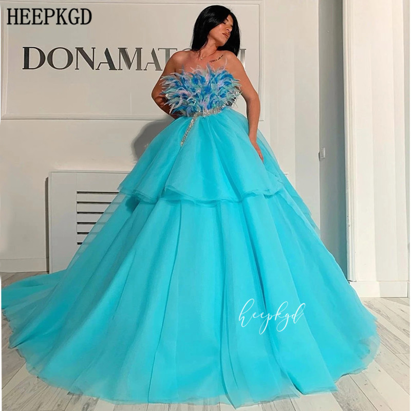 Turquoise Long Saudi Arabic Evening Dress Strapless Feathers Chest Tiered Ball Gown Formal Dresses Customize Robe De Soiree