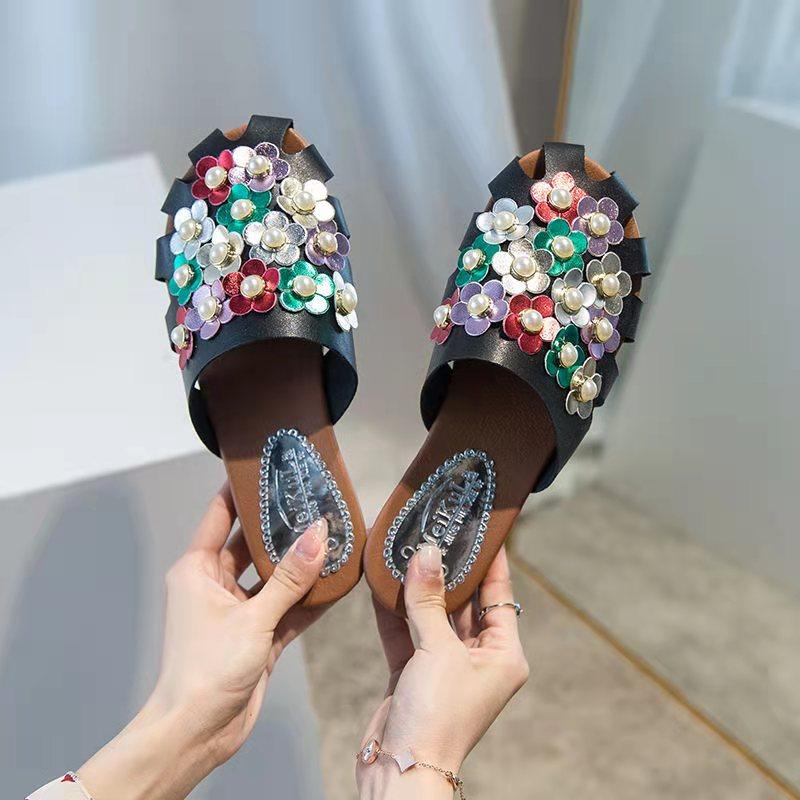 Новинка 2021, Стильные красивые женские тапочки с украшением из жемчуга, сандалии, удобная летняя обувь, низкий каблук
