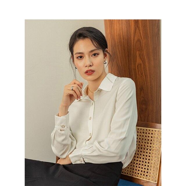 אינמן אביב חדש הגעה לבן צבע רטרו מינימליסטי כל מתאים להנמיך צווארון יחיד חזה Loose סגנון נשים למעלה חולצה