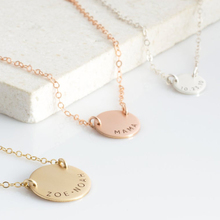HIYONG Personalized Baby Girls Gold Silver Necklace Custom Name Letter Pendants Round Birthday Gift Girlfriend Jewelry