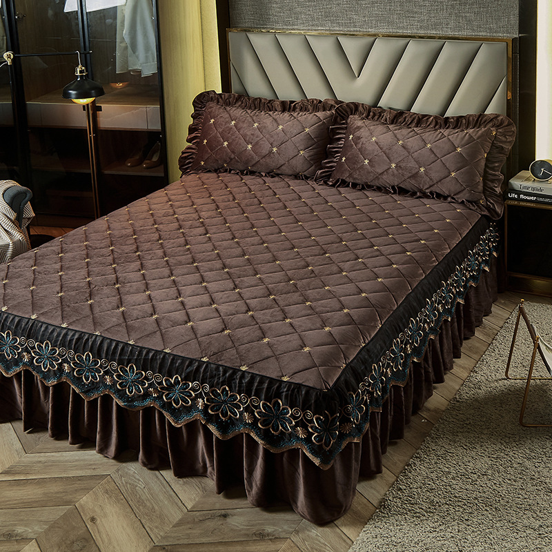 Luxury Embroidery Bedspread Thicken Plush Quilted Bed Skirt Winter Warm Soft Velvet King Size Bed Cover Not Including Pillowcase