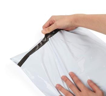 Plastikowe opakowanie wysyłkowe Mailer torebka kopertówka samoprzylepna biała torba z polietylenu worek do pakowania produktów shipping bags poly mailer envelope packaging bags tanie i dobre opinie ysmile CN (pochodzenie) SALON Torby do przechowywania Ekologiczne Składane Z tworzywa sztucznego Z rolką Płaska SQUARE