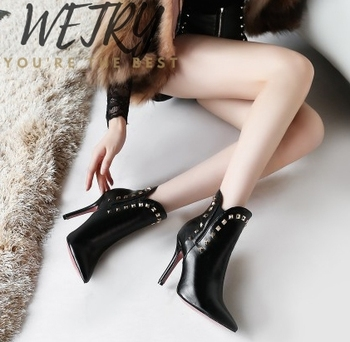 2020 Winter Gold Metal rivet Chelsea ankle boots women pointed Stiletto heel short boots for women  Punk Boots Shoes Woman