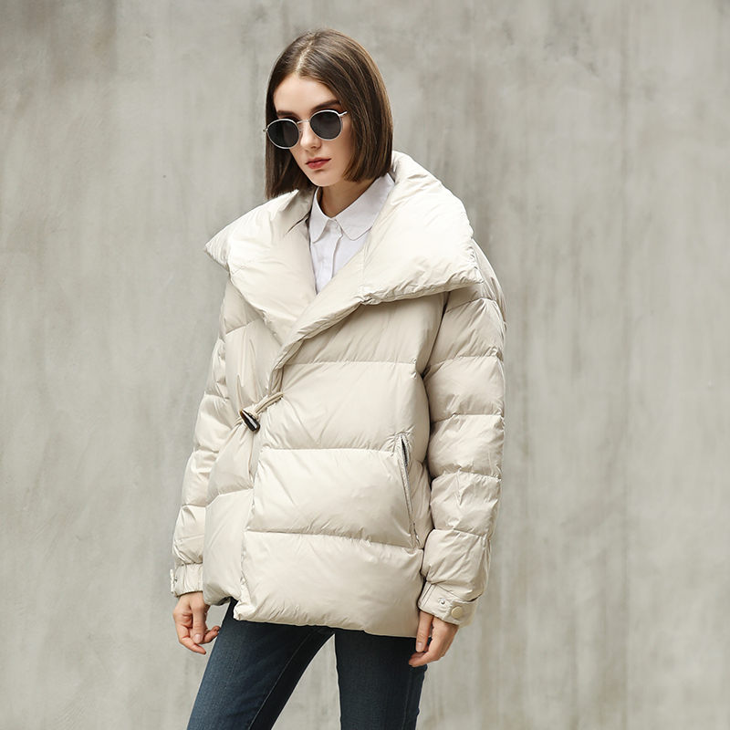 Big Sale Fashion Oversized Bread Style Thick Warm Fluffy Down Parkas Female High Collar Thick Warm 90% Duck Down Coat F662
