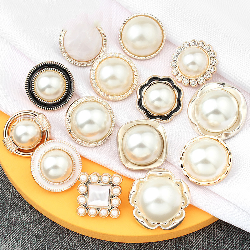 Hot Sales 10 Pieces/lot High Quality Pearl Rhinestone Flowers Elegant Buttons Fashion Girls Woman Clothes Decor Sewing Supply At Any Cost