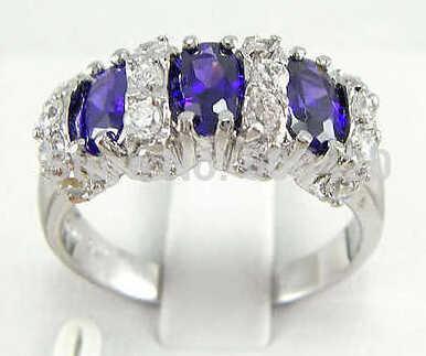 จัดส่งฟรี >>> ที่สวยงามใหม่สีม่วงแหวนหยกขนาด