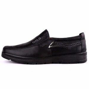 Image 5 - Nowy znak towarowy rozmiar 38 47 ekskluzywne męskie obuwie modne skórzane buty dla mężczyzn letnie męskie płaskie buty Dropshipping