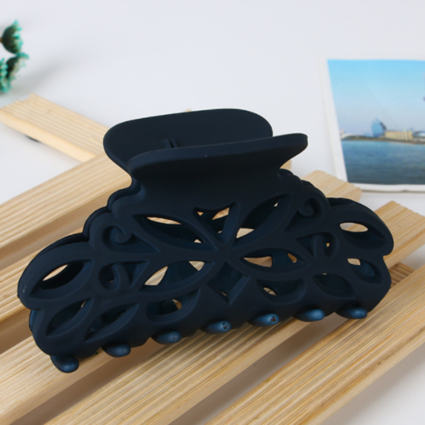 Hair Claw Clips Arrival Hairdress Accessories Women Scrub Black Plastic Hollow Out Carving Crab For Hair Large Size Hair Clamps