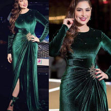 Зеленые платья для выпускного вечера 2021 вельветовые вечерние