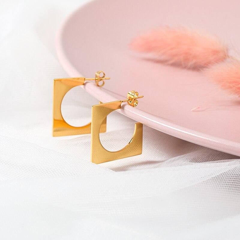 Boucles doreilles carrées ajourées pour femmes Style européen et américain clous doreilles en acier inoxydable été Simple grande boucle doreille Jwelery cadeau