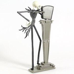 Image 5 - Nuovo The Nightmare Before Christmas Figura Martinetti Sedia Speciale 25 Anni Martinetti Skellington Figura di Azione Del Pvc Figure Regalo di Natale