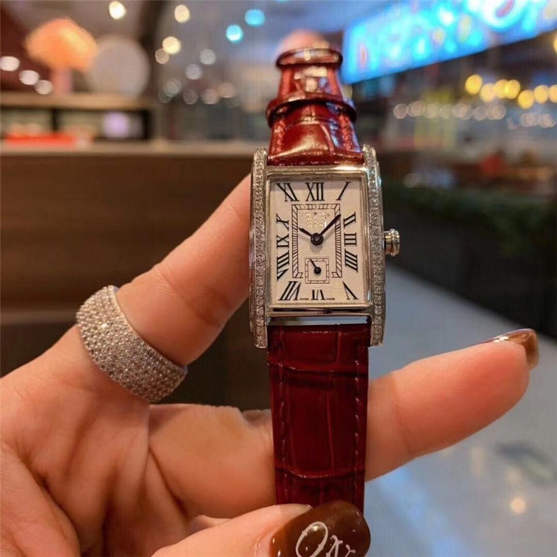 2020 New Year Watch Classic Elegant Simple Fashion Watch Brand Leather Analog Quartz Watch Gifts For Women