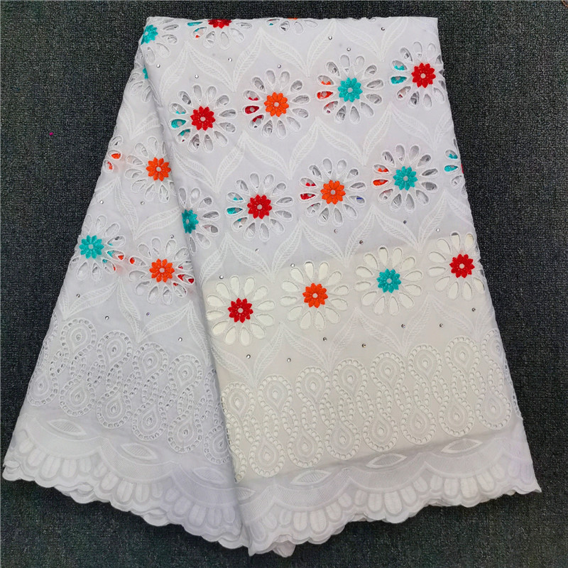 """SWISS Floral Punch Embroidered Applique WHITE Apparel// Quilting// Decor NEW 3/"""""""