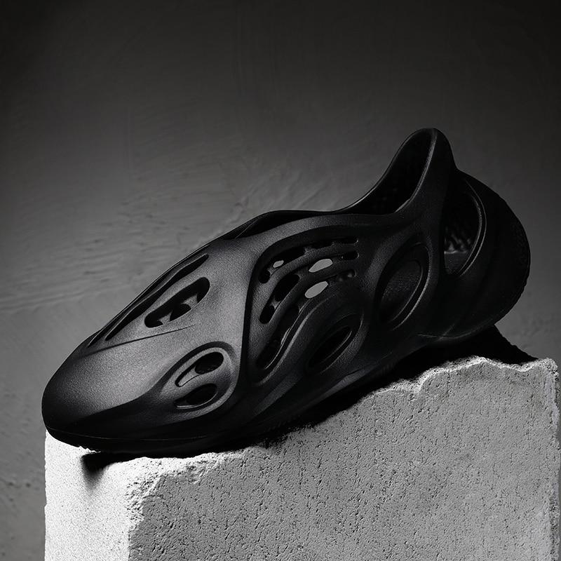 Nouveautés YZY mousse Run hommes trou chaussures sans lacet respirant Cool plage sandales léger été diapositives unisexe grande taille 36-46