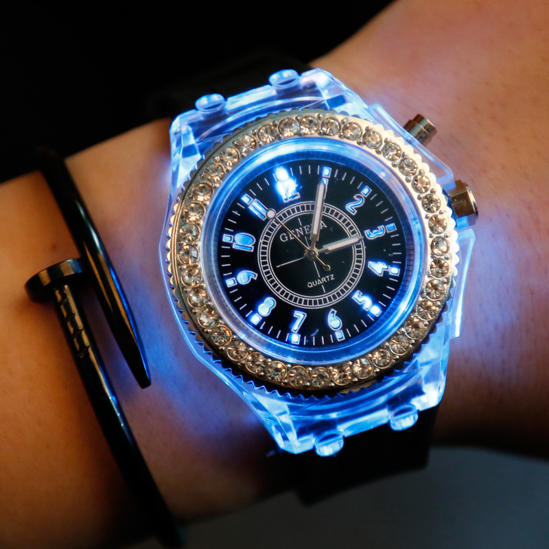 Nightlight Luminous Watch Men Women Diamond LED Flash Couple Silicon Geneva Quartz Wrist Watches Relogio Musculino