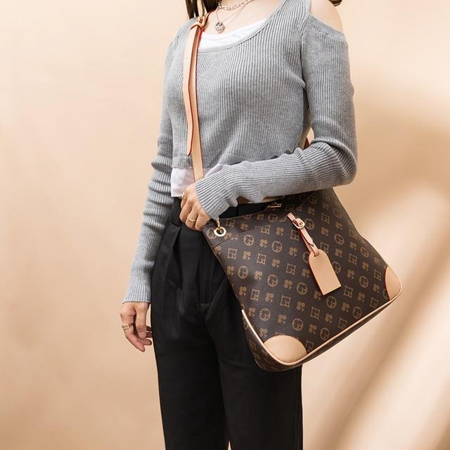 Luxury Large Capacity Bucket Bag  2