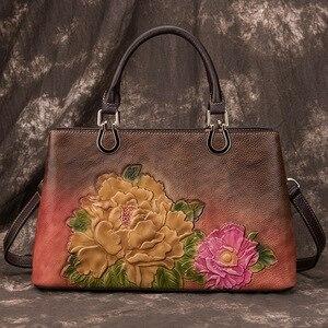 Image 2 - Johnature luksusowe torebki damskie projektant prawdziwej skóry 2020 nowy Handmade tłoczenie Retro torby na ramię i Crossbody