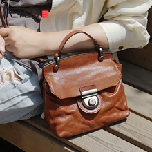 AETOO Vintage pleated stylish handmade leather bag, one-shoulder handbag, casual compact womens doctor bag